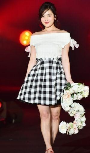 筧美和子モデル1