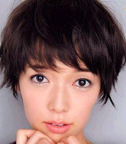 佐藤栞里がブスで可愛くない理由は目?Aカップのスタイルで似ている顔が多いんです!